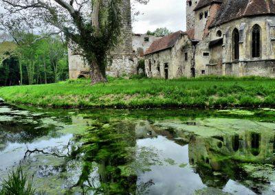 artistic-photography-by-jonnyjelinek_austria-ruinsreflectininlake