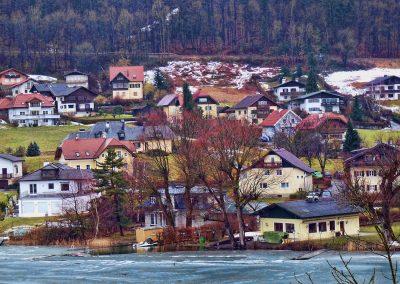 artistic-photography-by-jonnyjelinek_austria-smalltownbythefrozenlake