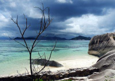 mindful-photography_by-jonnyjelinek_stormyweatheroverthebeach-seychelles